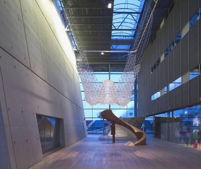 Искусство дизайна интерьера: инсталляция из шариковых ручек - Фото 2