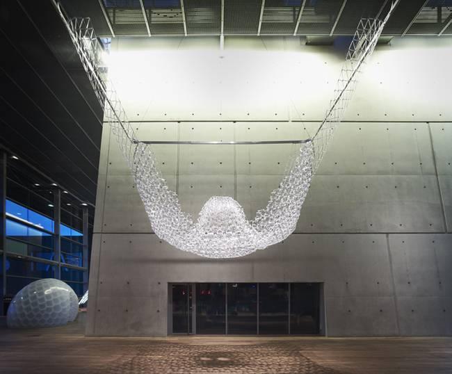 Искусство дизайна интерьера: инсталляция из шариковых ручек - Фото 3