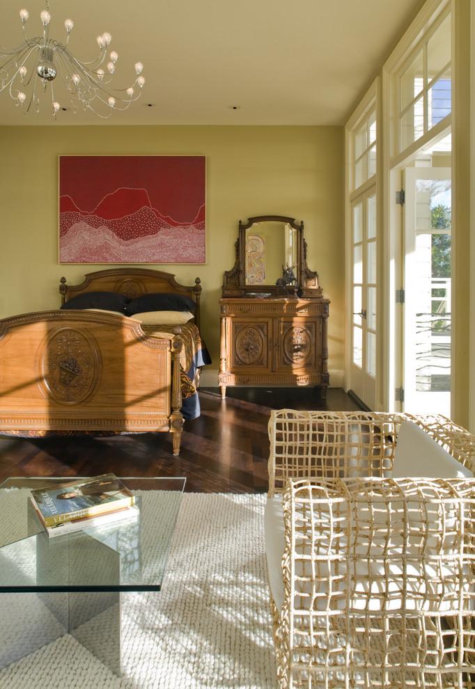 Интерьер спальни в эклектичном стиле от Winder Gibson Architects