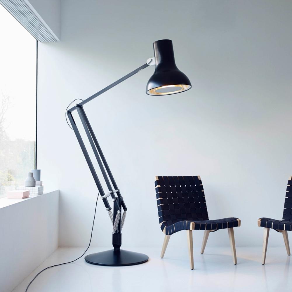 Дизайн известной настольной лампы: можно использовать и во дворе