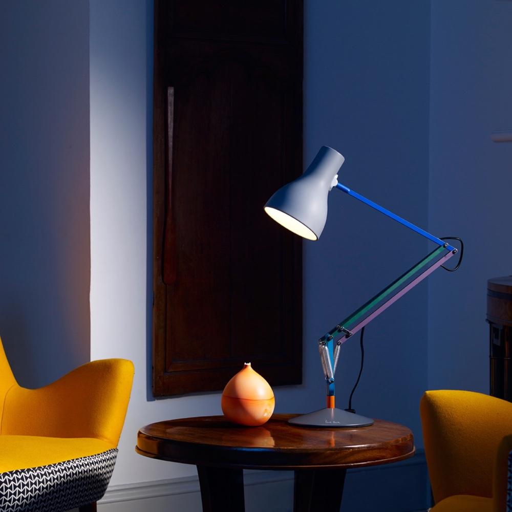 Дизайн известной настольной лампы в белом цвете