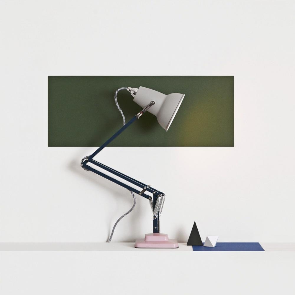 Дизайн известной настольной лампы «Studio»