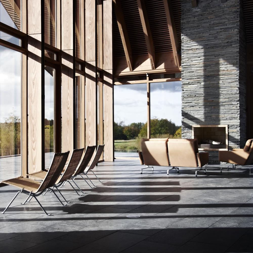Известный датский дизайнер Poul Kjaerholm - кресло PK22 и диван PK 31/2