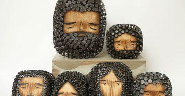Хайме Молина: очаровательные деревянные фигурки грустных бородачей