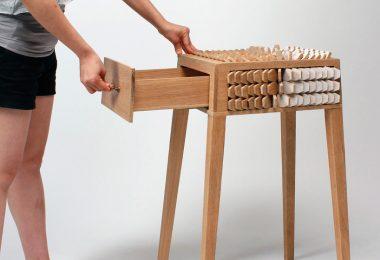Джуно Джеон: забавный интерактивный столик с выдвижным ящиком