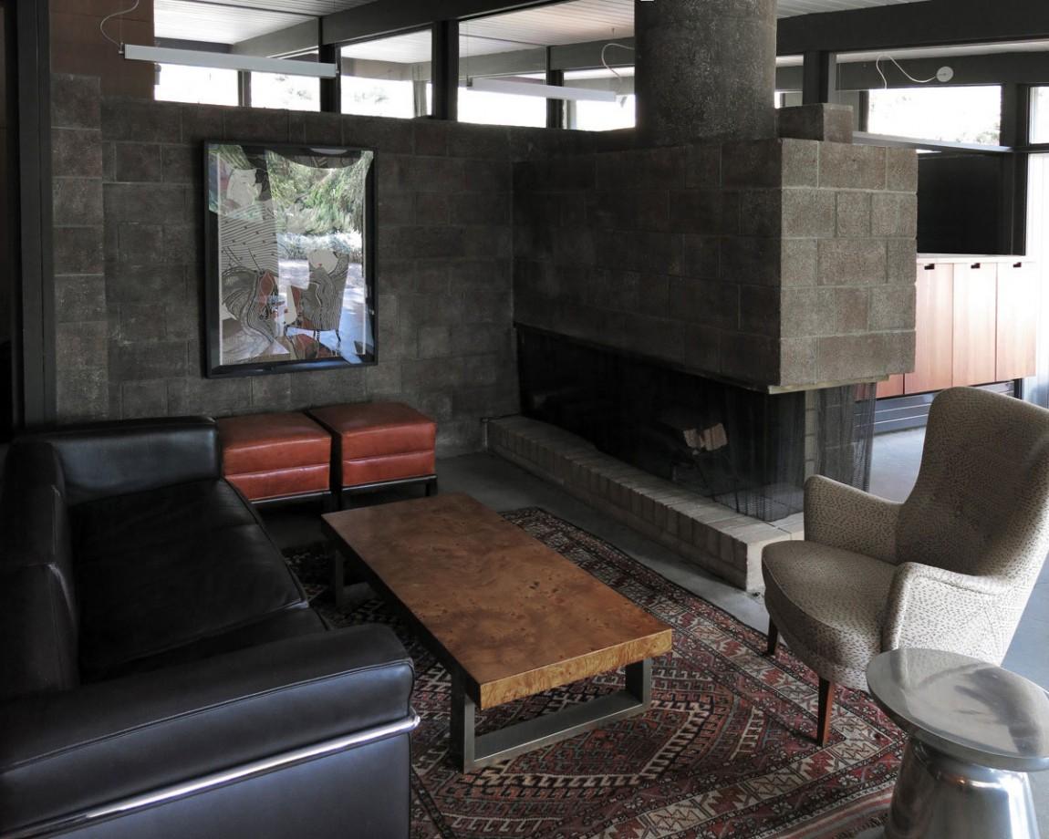 Камин в интерьере гостиной - Фото 15