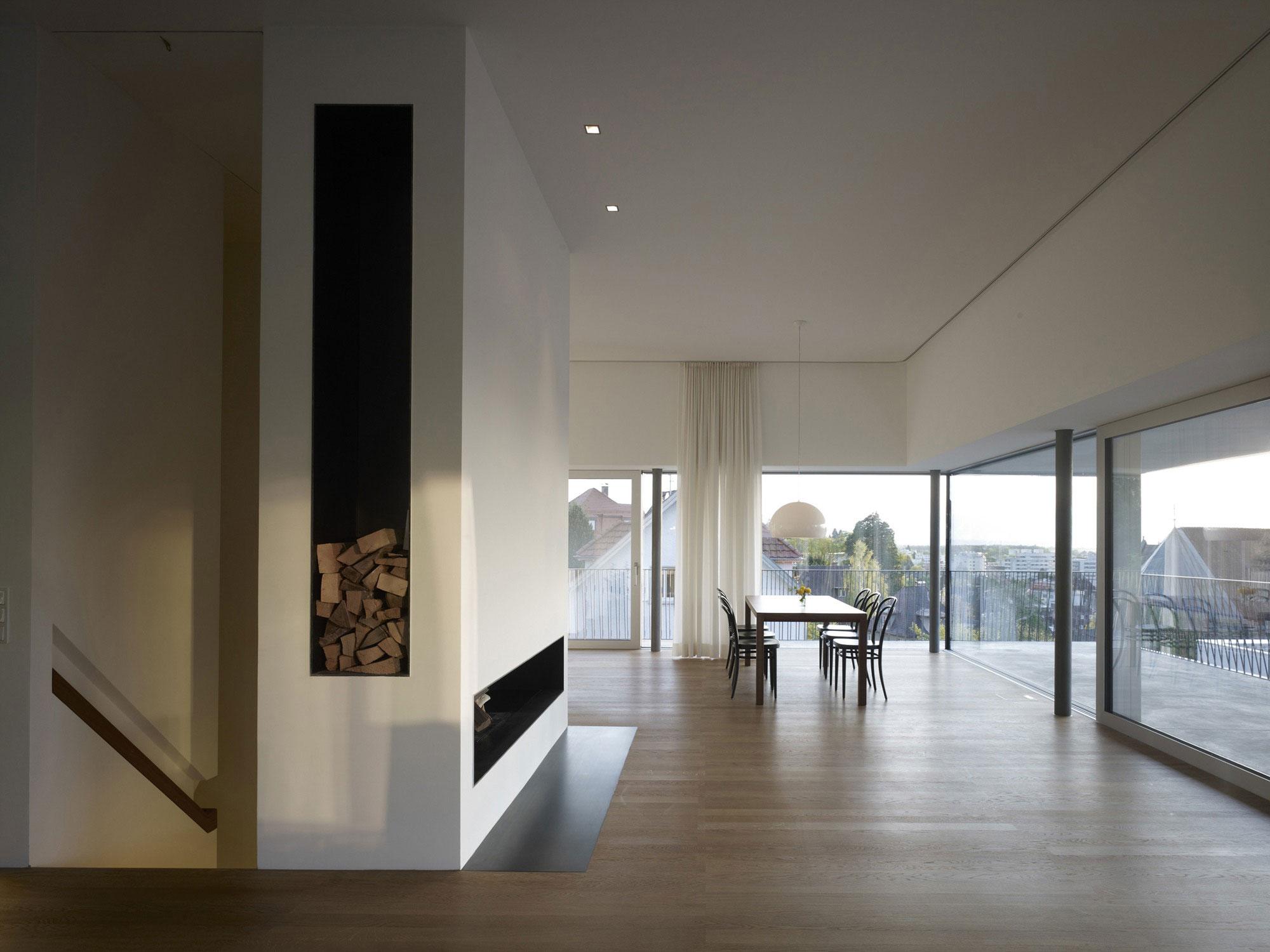 Камин в интерьере гостиной - Фото 24