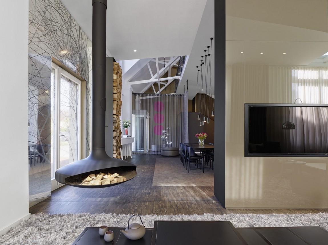 Камин в интерьере гостиной - Фото 31