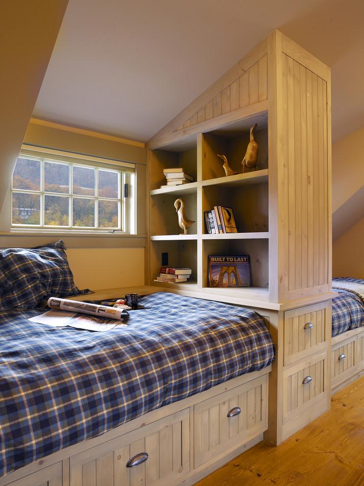 Ящики под кроватью в спальне