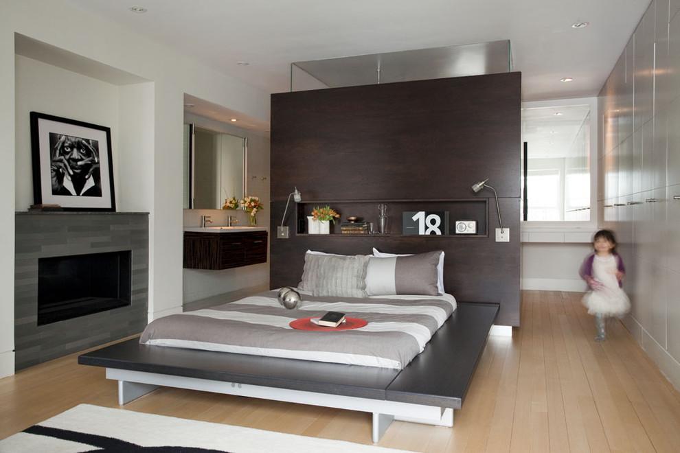 Современная кровать с системой для хранения