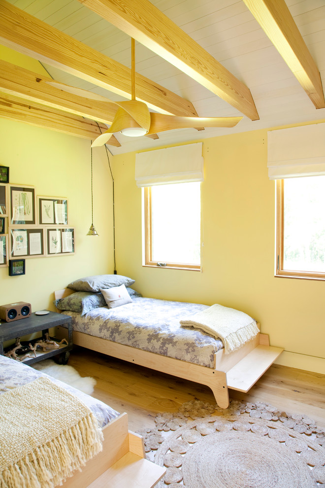 Деревянный каркас кровати с ящиками