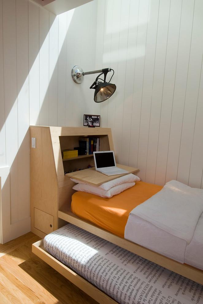 Необычная система хранения под кроватью