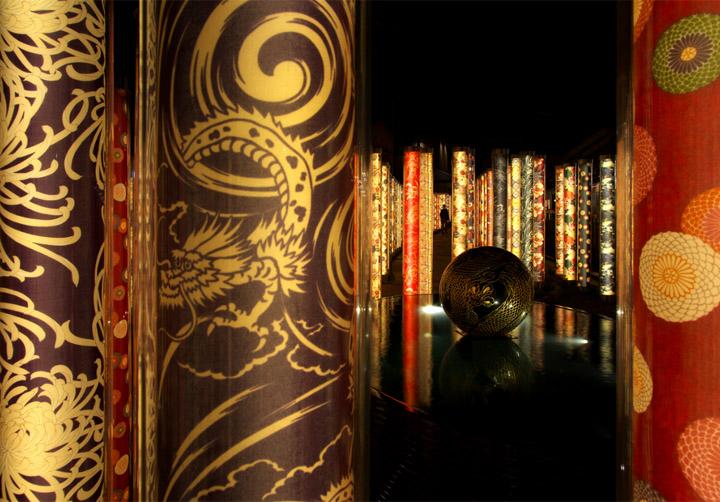 Креативный лабиринт из светящихся фонарей в Киото