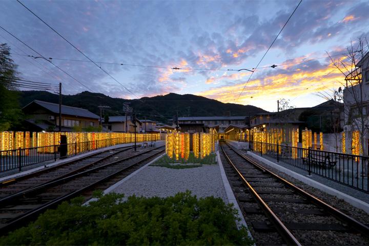 Уникальный лабиринт из светящихся фонарей в Киото