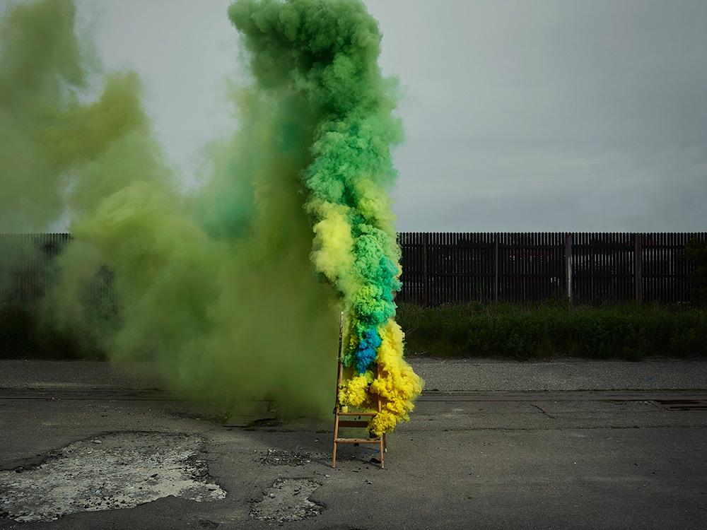 Дым: цветные визуальные эффекты в серии фотографий от Кена Херманна
