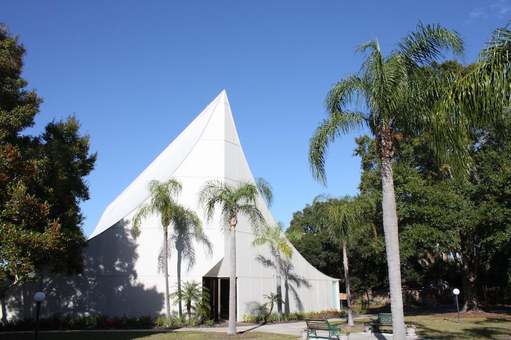 Лютеранская церковь - архитектор Виктор Ланди