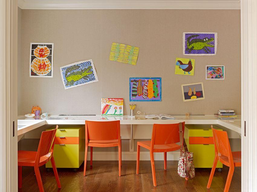 Деревянный настил в интерьере детской комнаты