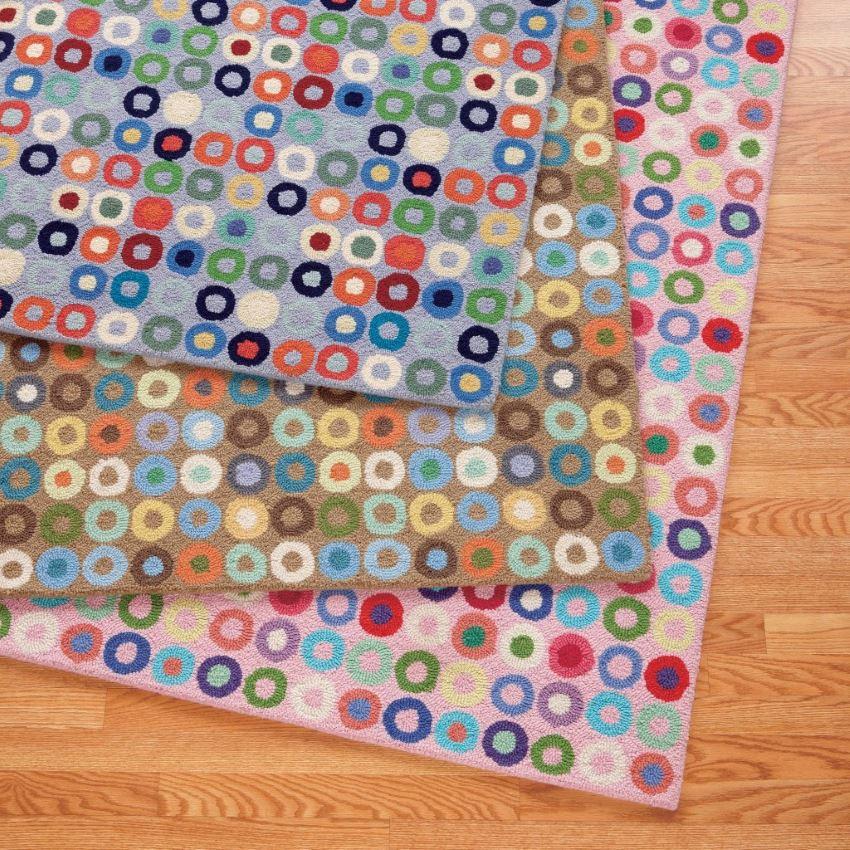 Красочные ковры разнообразной расцветки для детской комнаты