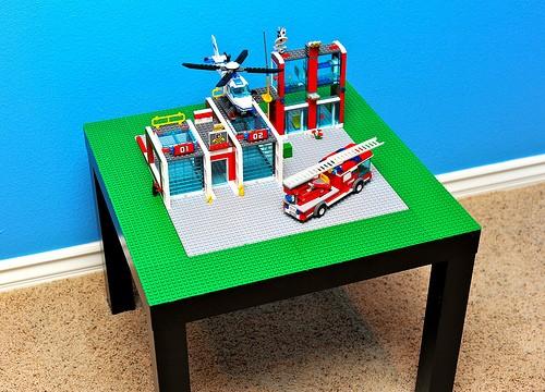 Бесподобный детский столик от IKEA