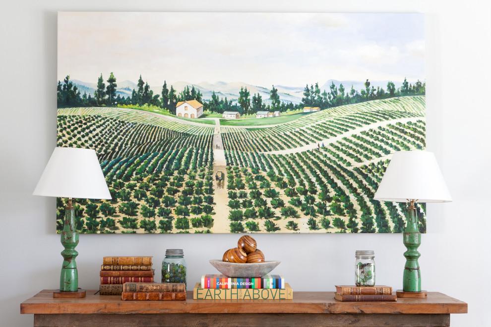 Классический американский стиль в интерьере дома в Лос-Анджелесе - пейзаж с виноградником