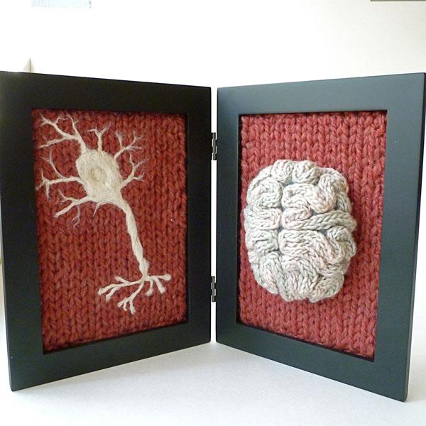 Вязаные предметы декора: рамка для фото