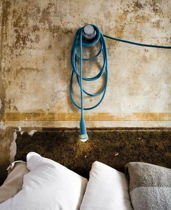 Оригинальные вязаные предметы декора: чехол для верёвочного светильника