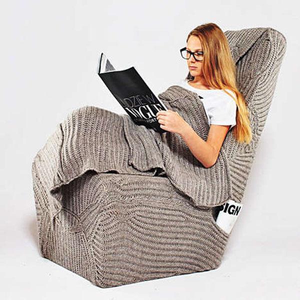 Шикарные вязаные предметы мебели: кресло-мешок