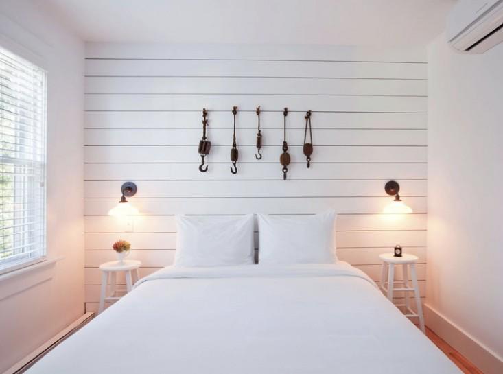 Необычные коллекции в интерьере спальни
