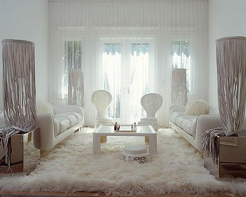 Дизайнерская мебель от Ленни Кравица на вилле