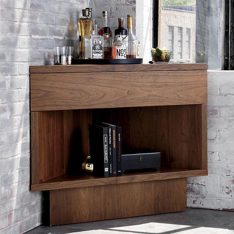 Дизайнерский угловой бар от Ленни Кравица
