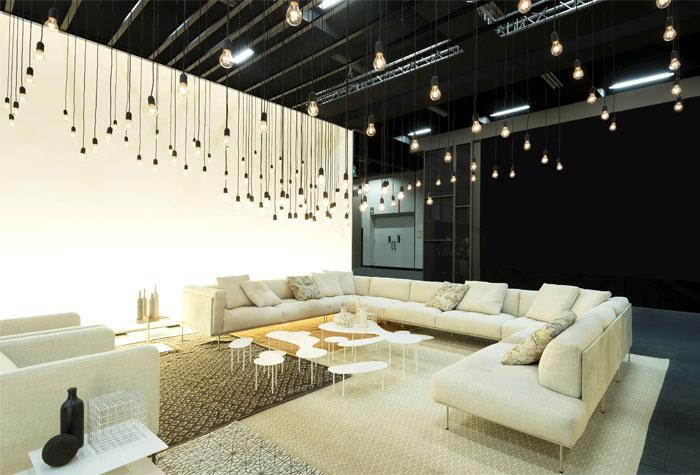Оригинальная коллекция мебели: необычные белые столики