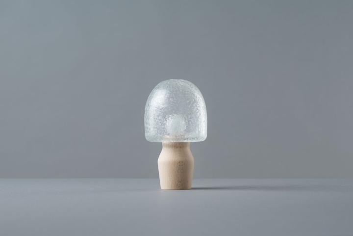 Настольный светильник из коллекции Tree Frost от Mikiya Kobayashi and Kohei Glass Studio