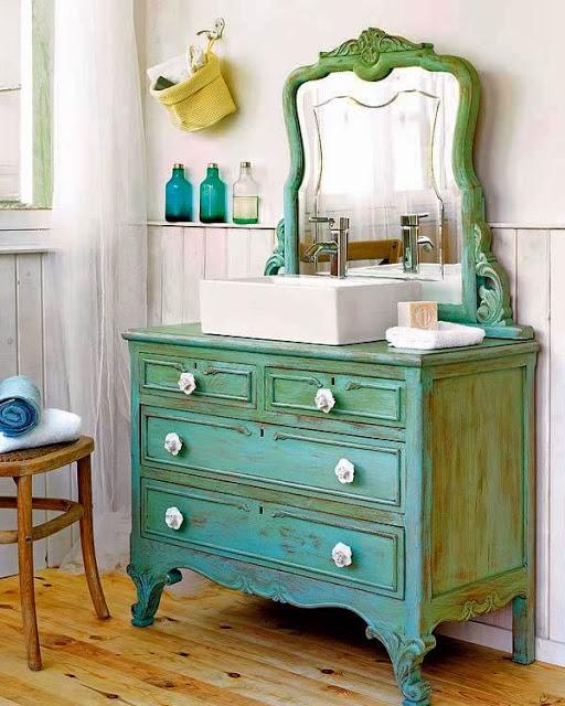 Первоклассный комод в интерьере ванной