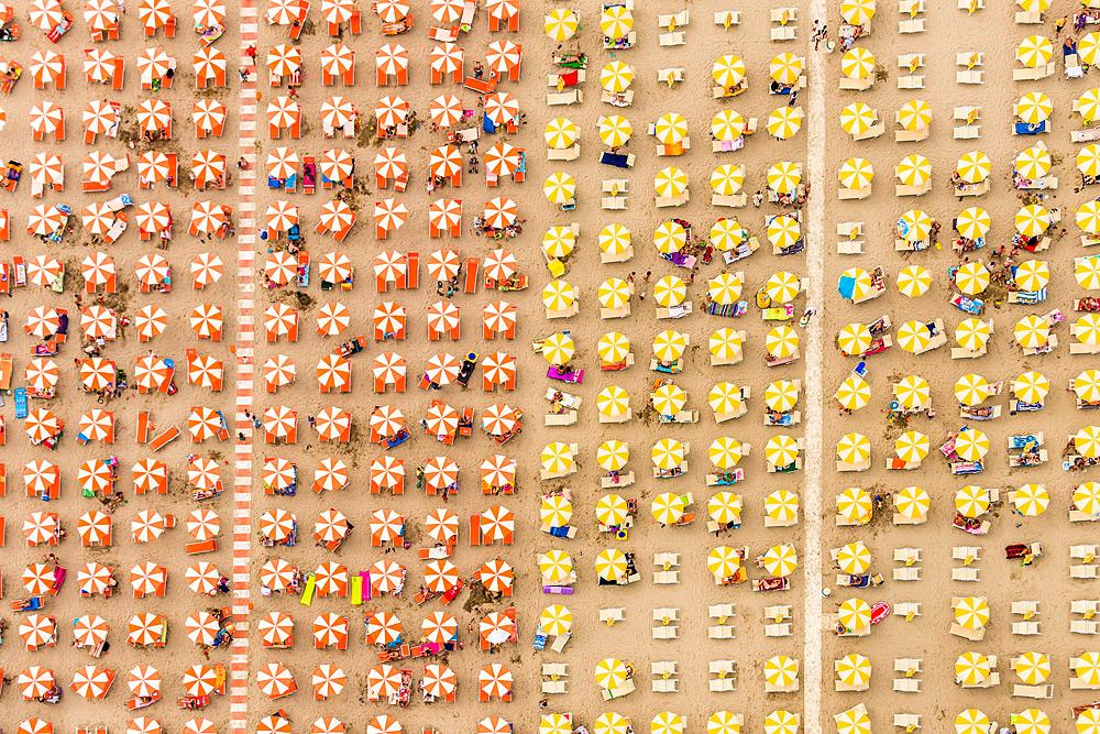 Уникальная фотография пляжа с верху от Bernhard Lang