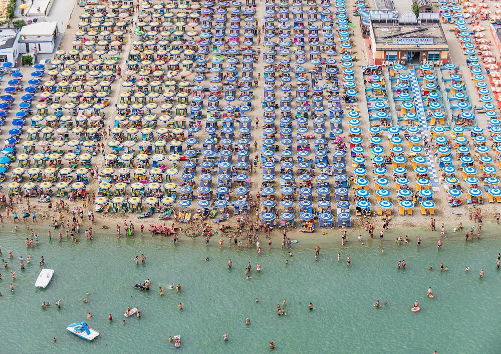 Удивительная фотография пляжа с верху от Bernhard Lang