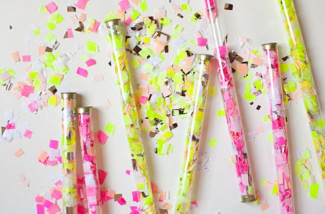 Трубки с бумажками для яркого настроения