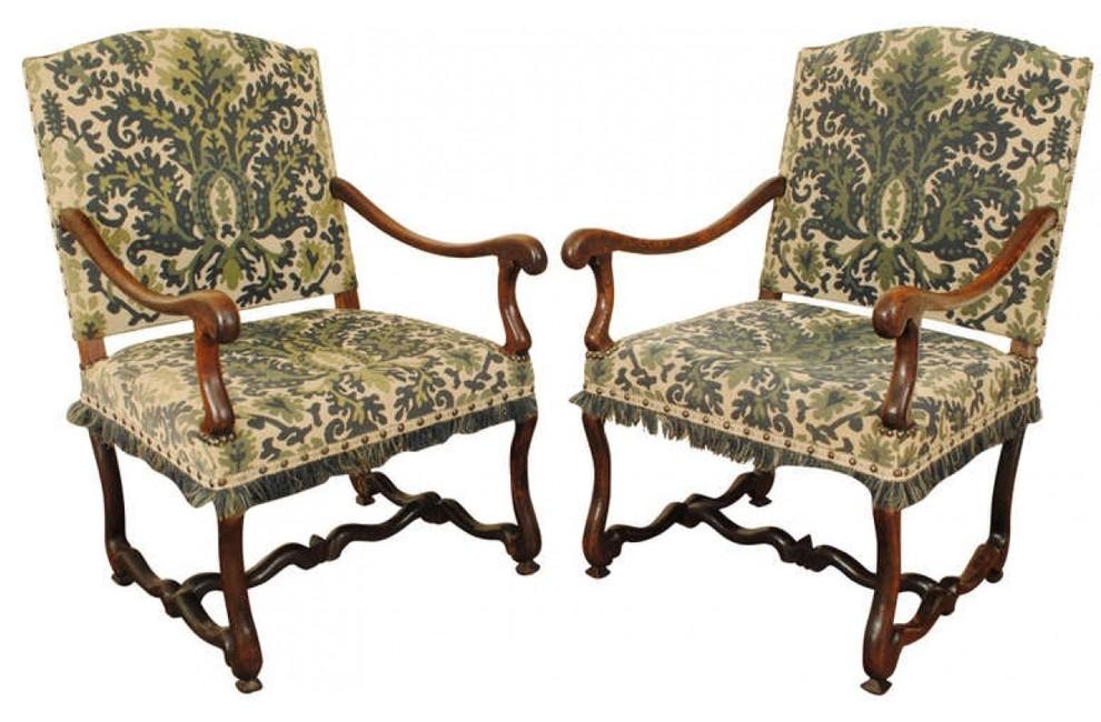 Винтажные стулья с красивой обивкой