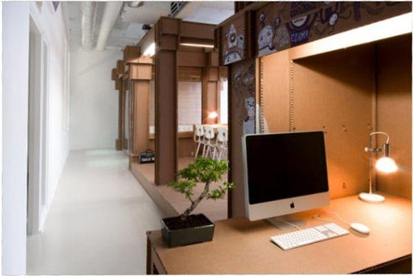 Креативная мебель из картона в интерьере офиса
