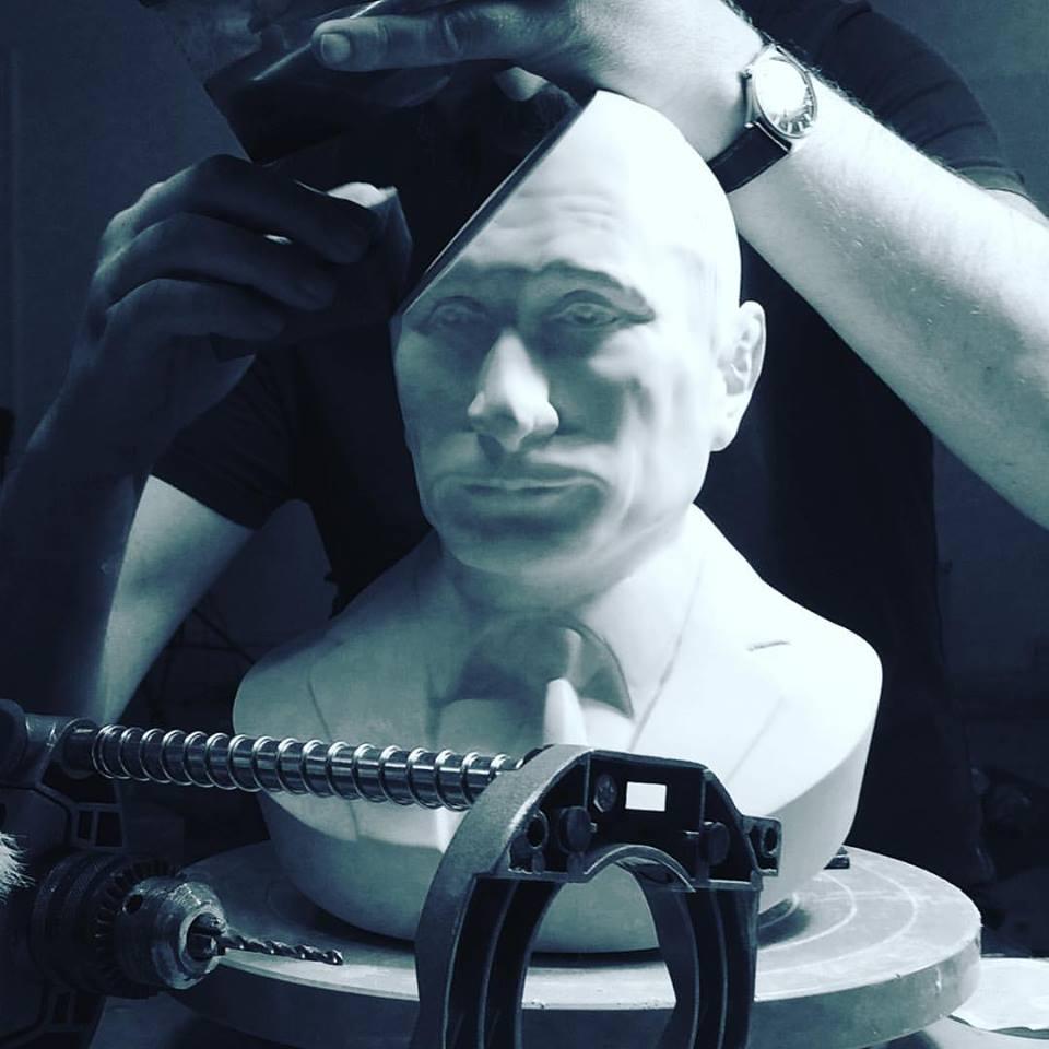 Бюст Владимира Путина — очень креативный предмет интерьера