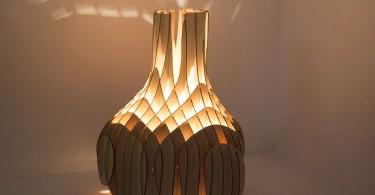 Мягкое свечение креативного светильника из фанеры