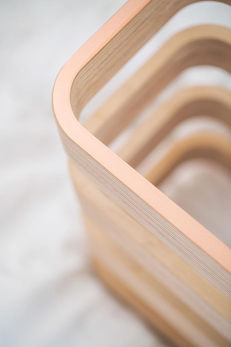 Креативный журнальный столик из дерева - Фото 2
