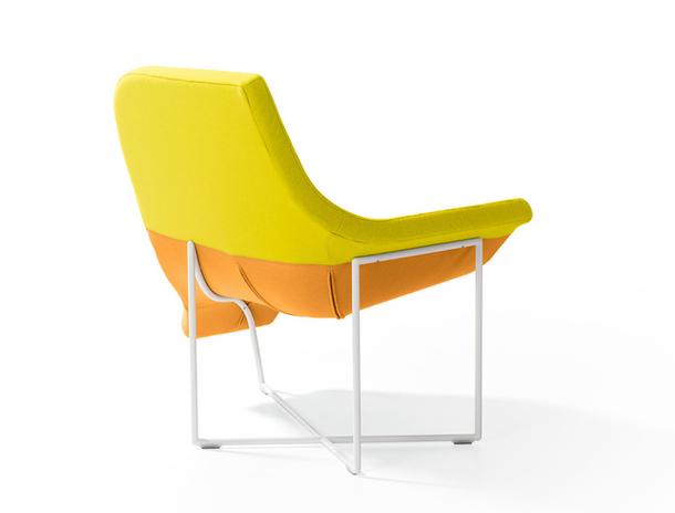 Жёлтое кресло - вид сзади