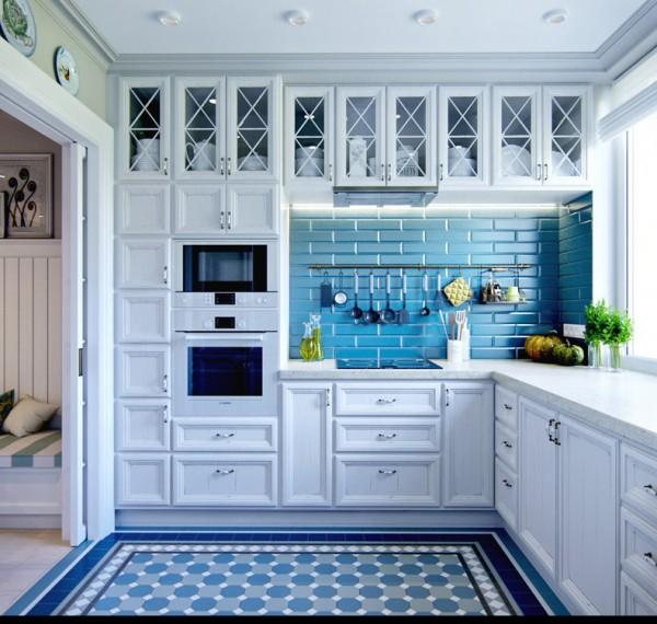 Квартиры в стиле прованс: голубая плитка в оформлении фартука