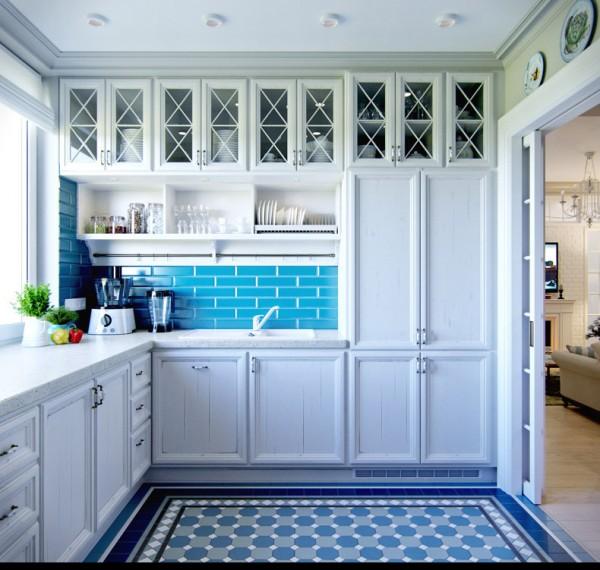 Квартиры в стиле прованс: белый гарнитур на кухне