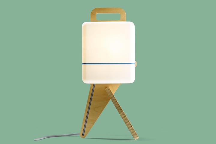 Необычная подставка-ножка лампы