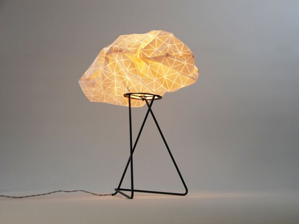 Красивая лампа-облако от Микки Бара