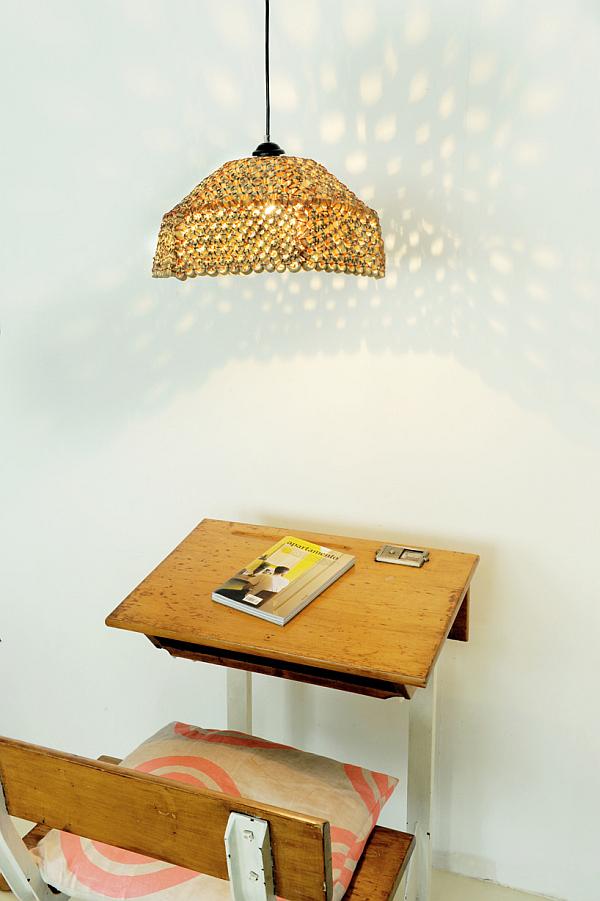 Increíbles pantallas de lámparas de belleza y jarrones hechos a mano de la empresa Tiny Miracles Foundation y el diseñador Pepe Heykoop