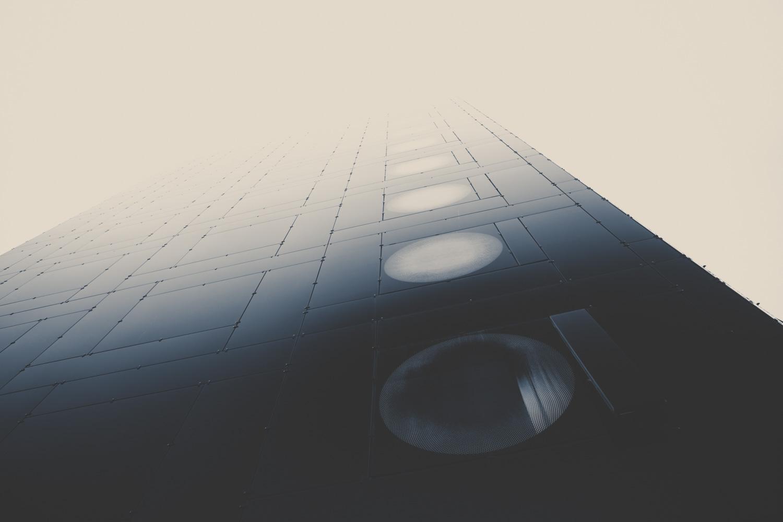 Космические корабли: фотографическое исследование современных архитектурных форм от Ларса Стигера