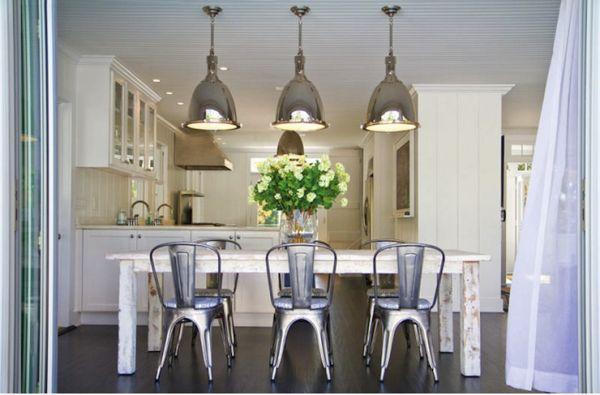 Дизайн интерьера уютной кухни и столовой
