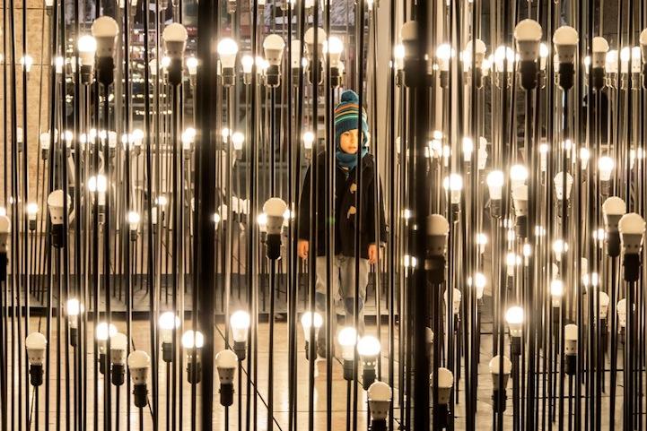 Первоклассная световая композиция в центре столицы Португалии